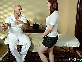 Babe Gets Oily Massage