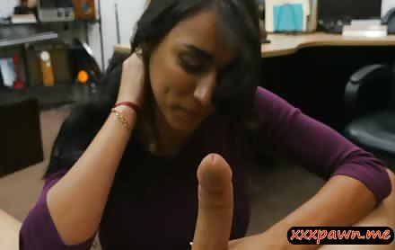 Big Boobs Woman Nailed By Pawn Keeper At The Pawnshop