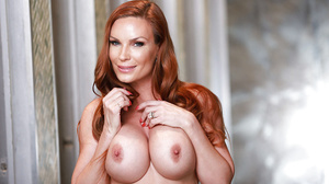 Diamond Foxxx – Stepmom's Sweet Glory Hole