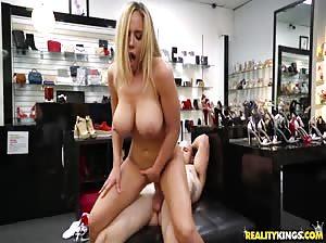 Shoe Fetish – Olivia Austin
