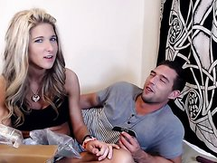 HOT STRAIGHT COUPLE ON CAM