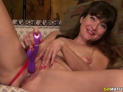 Cute American Temptress Gina Pleasing Herself