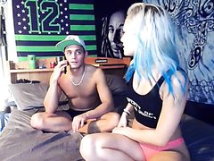 HOT STRAIGHT FUNNY COUPLE ON CAM
