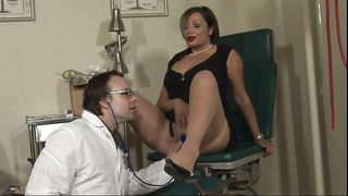 Lady Gets Her Pussy And Mouth Checked By Her Doc