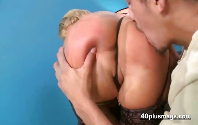 Mature Blonde In Hardcore Sex