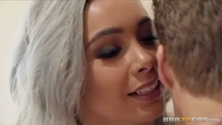 Aaliyah Hadid Pounds Her Amazing Friend\'s Bf In Exactly The Hit The Showers