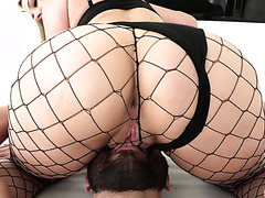 PAWG Lisey Sweet Squirts Gallons Of Pussy Juice During Rough Anal