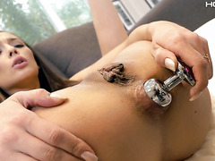 Tanned Jaye Summers Broadens Her Asshole With Butt Plug And Cock
