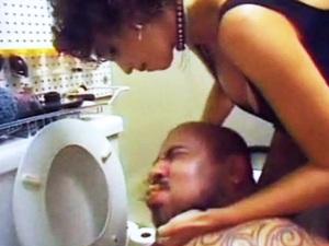 Amateur Brutal Femdom Torture In The Toilet
