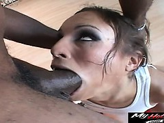Amber Rayne Knows How To Give Royal Treatment To A Cock