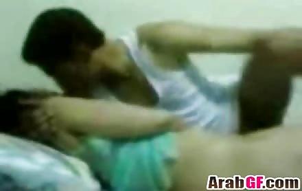 Arab Teen Girlfriend Takes Boyfriend Rod On Bed
