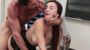 Classroom Porn Video Showing Juicy Girl Jade Amber – After School Sex Sale