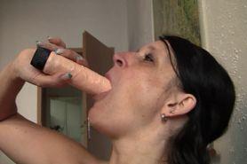 Simone Presents Herself Naked