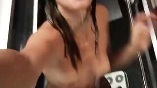 Solo Amateur Girl Lets You Enjoy Her Naked Body While She's Taking A Shower
